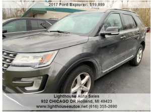 2017 FORD EXPLORER 4X4 W/ 3RD ROW SEATING AND SKYVIEW MOONRO